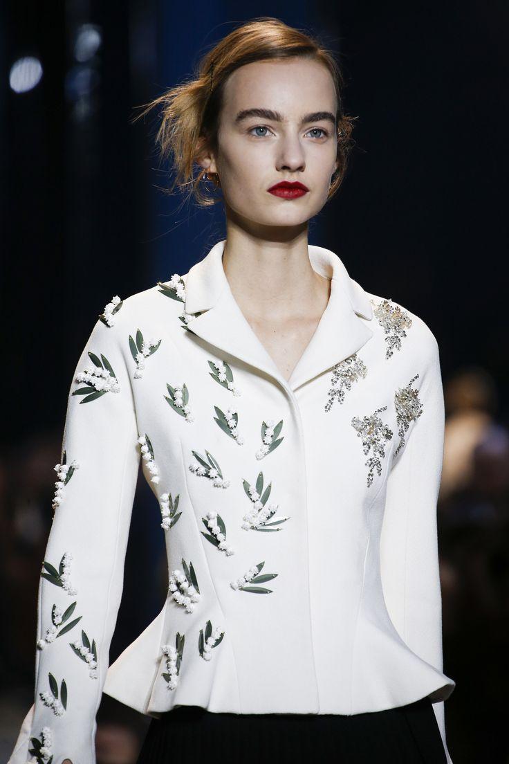 Christian Dior Spring 2016 Couture Fashion Show Details ...