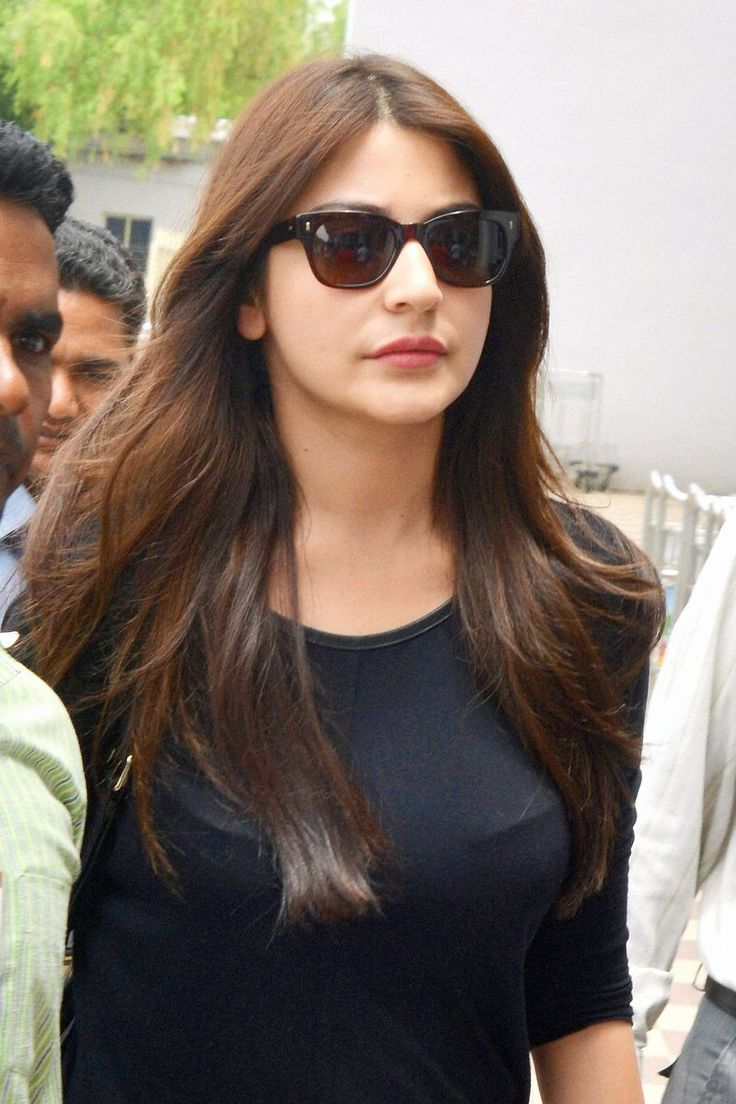 Anushka Sharma looked chic during travel. #Style #Bollywood #Fashion #Beauty