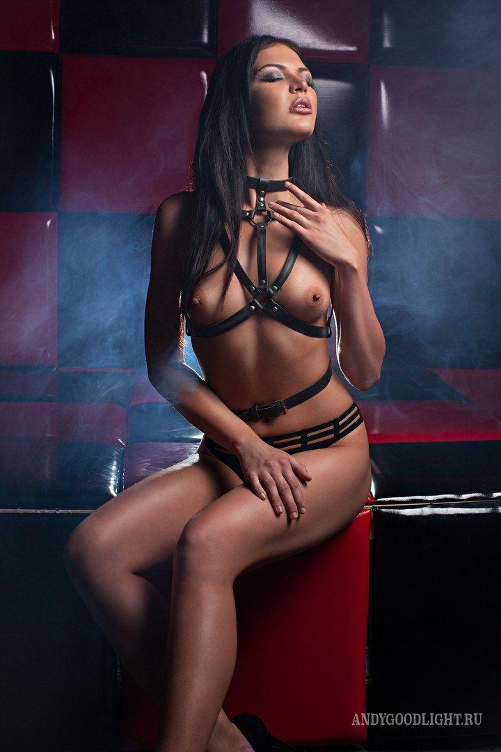 """le-voleur-de-beaute: """"Model: Oksana Bast Photographer: Andy Goodlight """""""