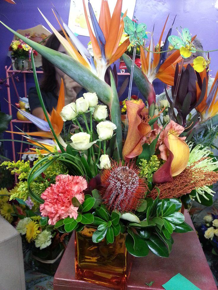 13 best Arreglos Florales images on Pinterest   Flower arrangements ...