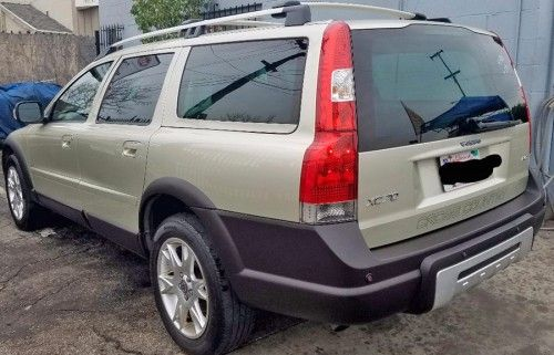 2007 Volvo XC70 station wagon for sale under $5000 in Bell Gardens, California CA