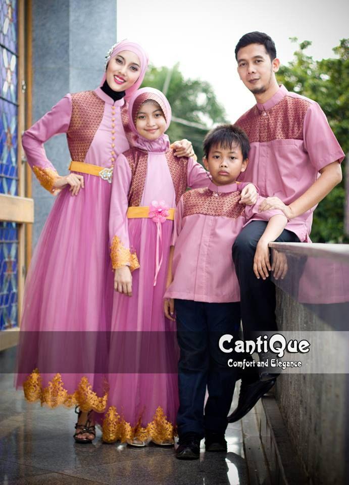 Yang pink ini halus dan lembut...sungguh terlalu... http://bajupestamuslim.net/sarimbit-gaun-pesta-muslim-family-pink.html