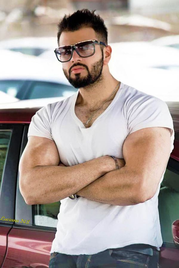 nude sexy arabian guy
