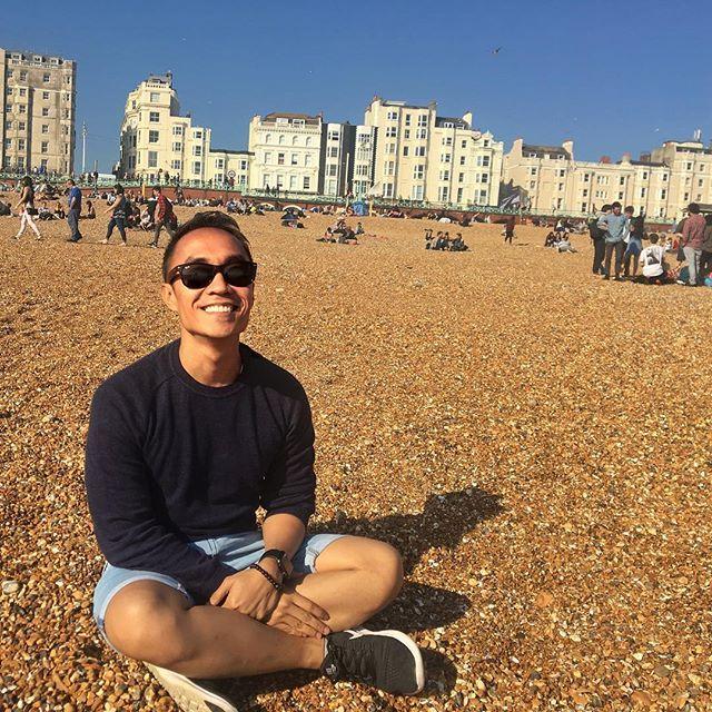 Enjoying the sun, still high up at 6pm....#WeekendGetAway #Brighton #UK #Daytrip #Roadtrip #Beach #saturyay #jetsetter #jetsetlife #travelgram #welltravelledlife #nomad #globalnomad #milehighclub #LondonCity #photooftheday #filteredmoments #instalike #marco_angelo_13_2017 #beingatourist #touristthings #touristspot #letstravel #localthings #pebblebeach #sunnyday #selfie #tothebeach #beachday #montereylocals #pebblebeachlocals - posted by Marco https://www.instagram.com/marco_angelo_13 - See…