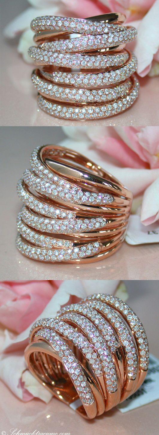 High Class: Huge Diamond Ring, 2,37 cts. G-VS, RG-14K -- Find out: schmucktraeume.com - Visit us on FB: https://www.facebook.com/pages/Noble-Juwelen/150871984924926 - Any questions? Contact us: info@schmucktraeume.com