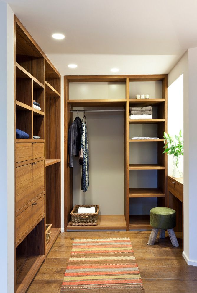 Small L Shape Walk In Closet Organizer Made Of Wooden Mid