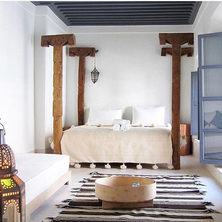 """muimaHotel en Instagram: """"... moroccan bed  @riad.dar.k #marrakech .              #interiordesign #hotel #designhotel #morocco #moroccandesign #naturalhome…"""""""