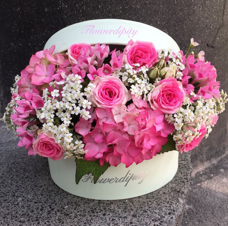 Flowers in a box #pink #roses #flowers #box #flowerdipity