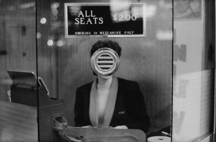 Joel Meyerowitz. New York City, Times Square, 1963.