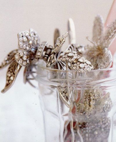 Diamonds in a jar: Diamonds Galleries, Things Bride, Vintage Glamour, Sparkly Things, Old Jewelry, 10 Things, Hair Accessories, Bride Forget, Vintage Jewelry