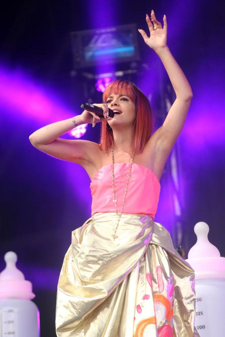 #Glastonbury2014 - Lily Allen