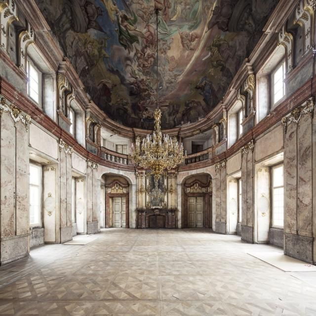 Colloredo-Masfeld Palace, fashion film location inspiration