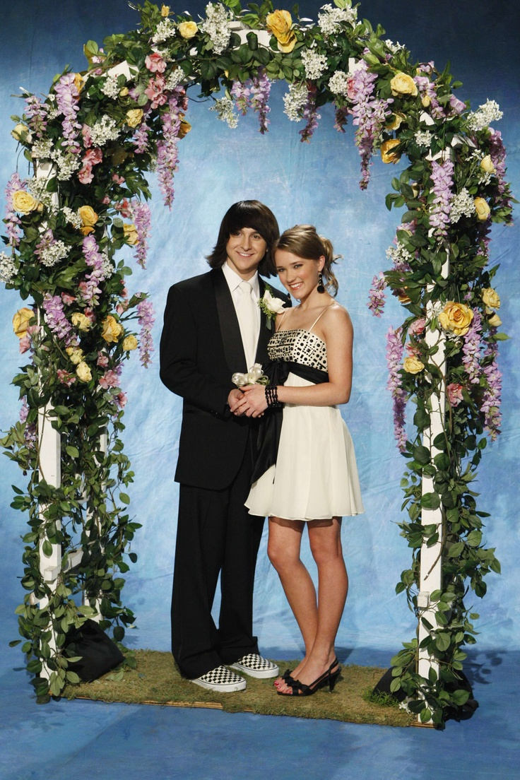 Mitchell Musso and Emily Osment as Oliver & Lily from Hannah Montana (2006-2011)