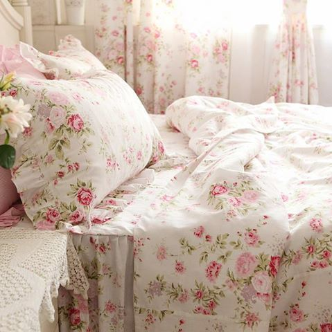"intheweesmallhoursofthemorning: "" so in love with these sheets… """