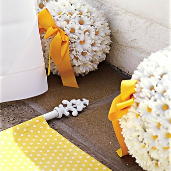 Aisle Runner in Yellow and White Polka Dots with a Charming Pull for the Users to pull down the Aisle: Yellow Flowers, Aisle Runners, Flowers Ball, Floweri Creations, Flowers Girls, Daisy Ball, Receptions Ideas, Pull Ideas, Daisies Ball
