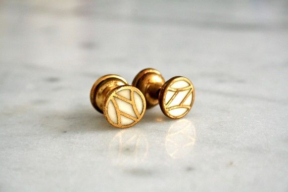 vintage cufflinks.  so awesome...