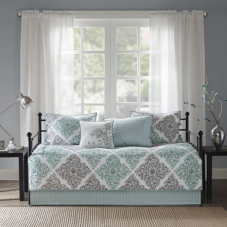 Daybed Sets: Free Shipping on orders over $45 at Overstock.com - Your Online Fashion Bedding Store! Get 5% in rewards with Club O!