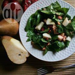 Salade verte aux poires et à la pomme grenade @ qc.allrecipes.ca
