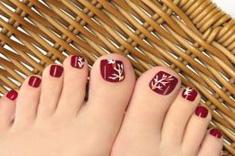 When you can wallow yourselves in a myriad of design options, it is just impossible to let those digits of yours to not get adorned by them. Here's presenting some quirky and elegant toenail design ideas to satiate your trend-driven whims.