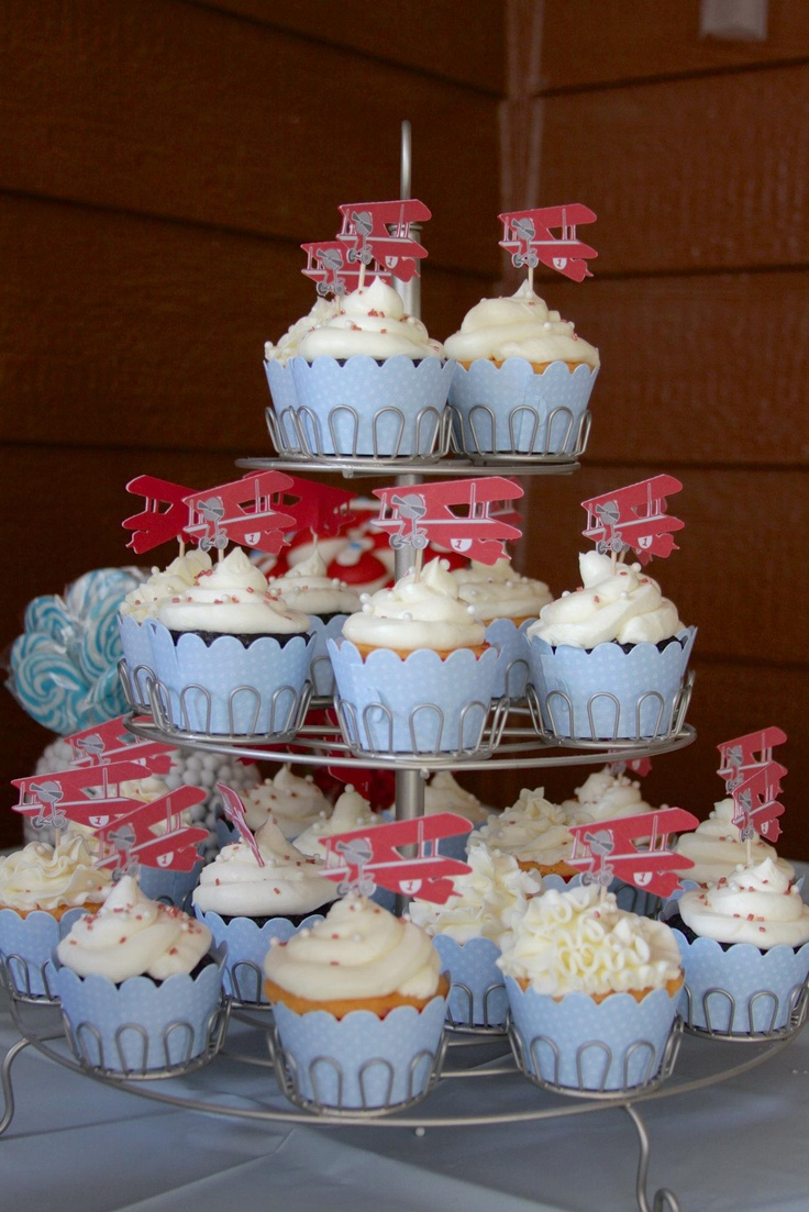 Airplane party cupcakes. www.lauraloucakes.com