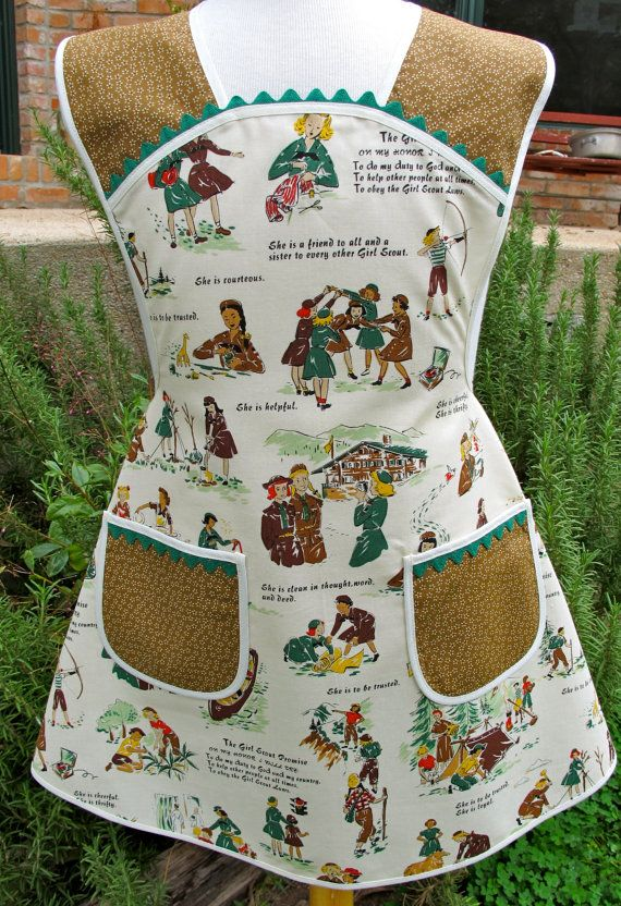 I would love to get some of this great fabric!Aprons Style, Scouts Aprons, Little Girls, 40S Style, American Dolls, Girl Scouts, Daisies, Girls Scouts, American Girls