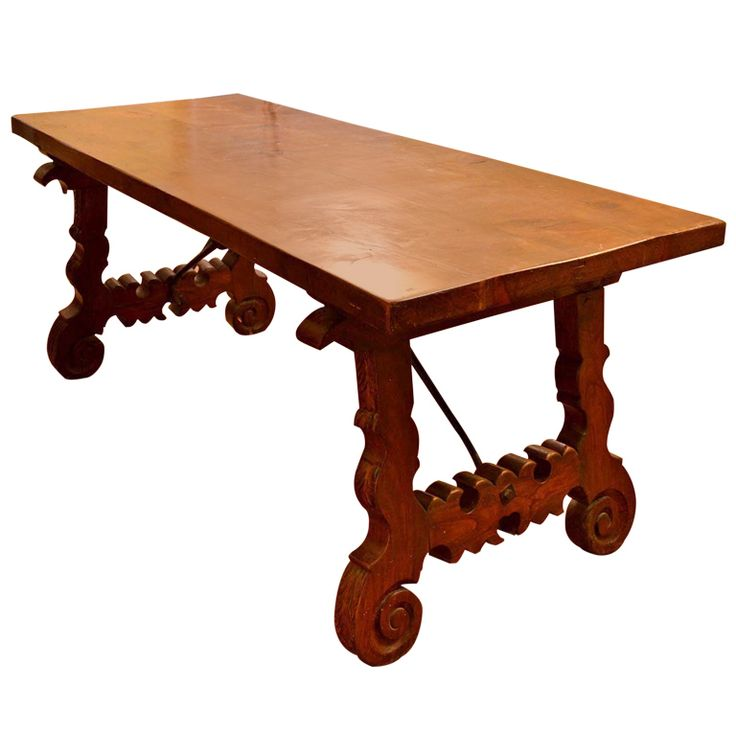 Antique spanish walnut refectory dining table 18th century for Table in spanish