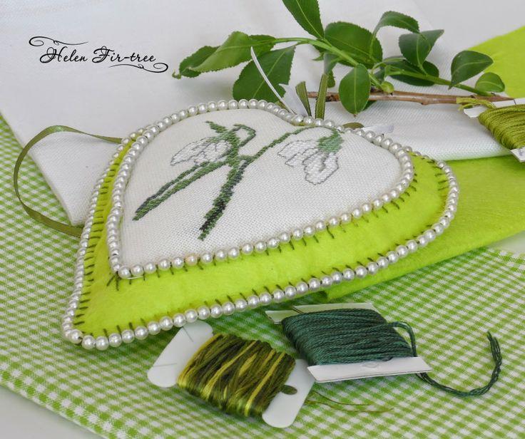 Моя работа по схеме из журнала Rico Design. Helen Fir-tree вышивка игольница первоцветы embroidery needle bar primroses