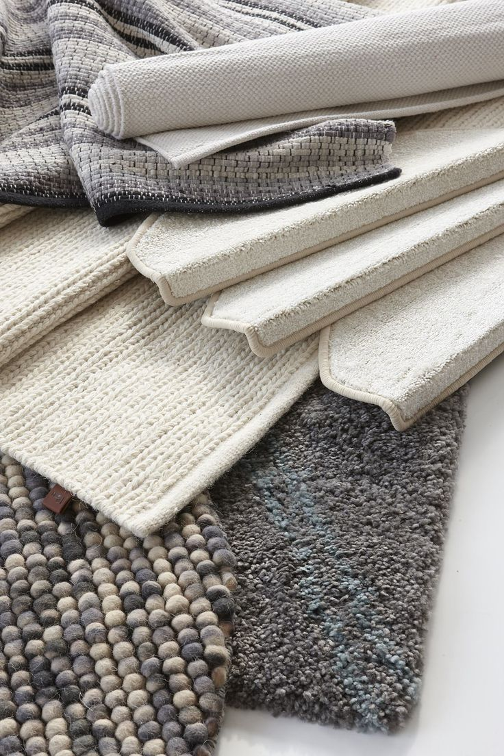 Vi har en mängd fina mattor i olika storlekar och kvalitéer.