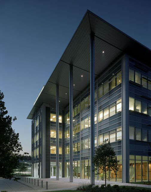 Nel 2012 inaugura il Time Warner Cable Headquarter a Charlotte, North Carolina