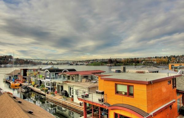 Seattle floating homes.  funky-tiny-but-pricey-boathouse-in-seattle-for-sale-015