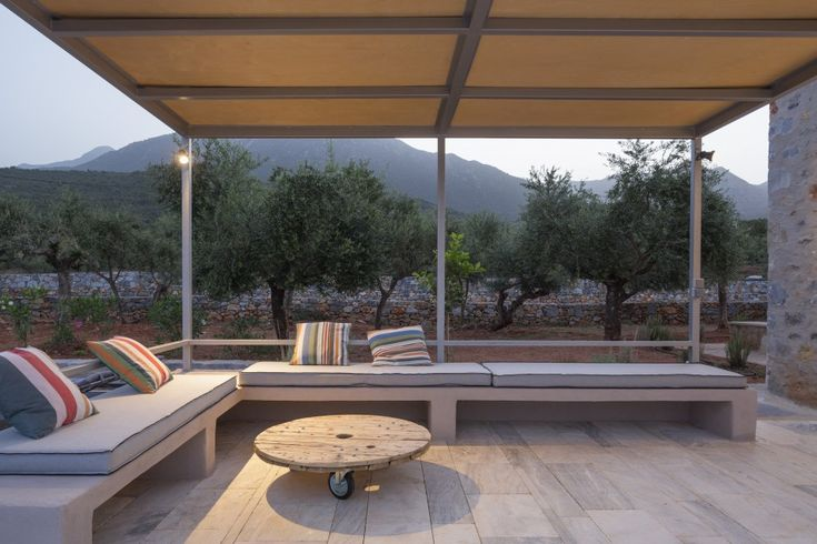 The villa was designed by the award-winning Greek architect Nikitas Hatzimichalis and completed in 2015. Property The villa has light steel and transparent glass elements, highlighting the stone volumes and allowing the boundary between inside and outside to melt. The transparency of glass and the industrial character of the metal structures, in dialogue with the massive stone […]