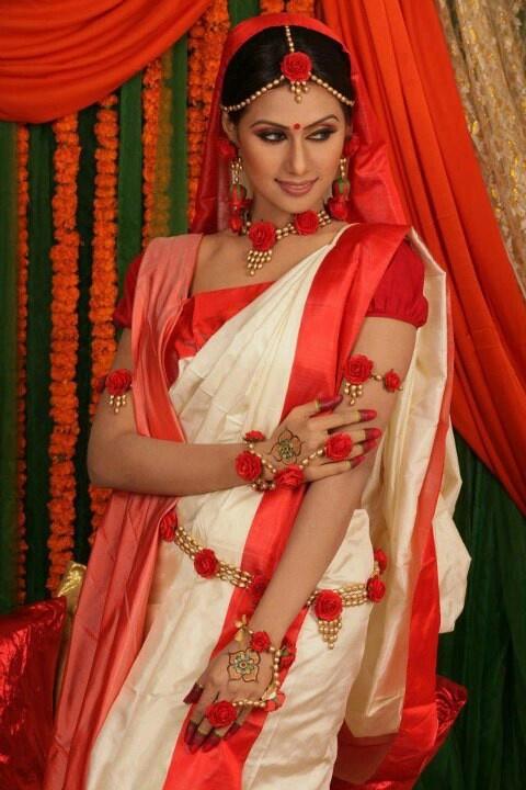 Indian bridal floral jewelry.. #shaadisaga