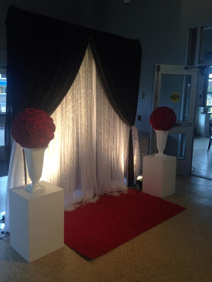 Red carpet photo backdrop