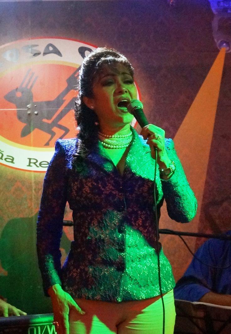 Elizabeth Mera...voz con personalidad
