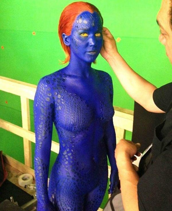 Jennifer Lawrence: Ολόγυμνη και… μπλε! (Photos) | THESOUT.GR