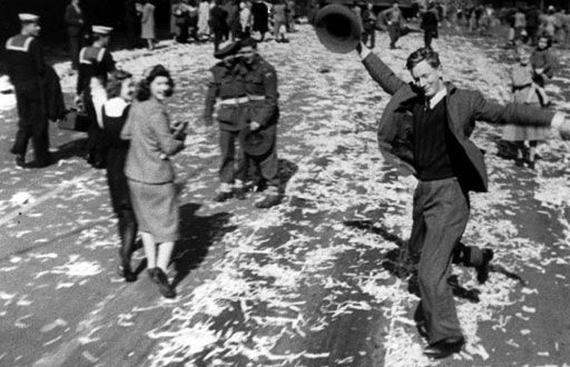 AUGUST 15, 1945 : Ern Hill, the
