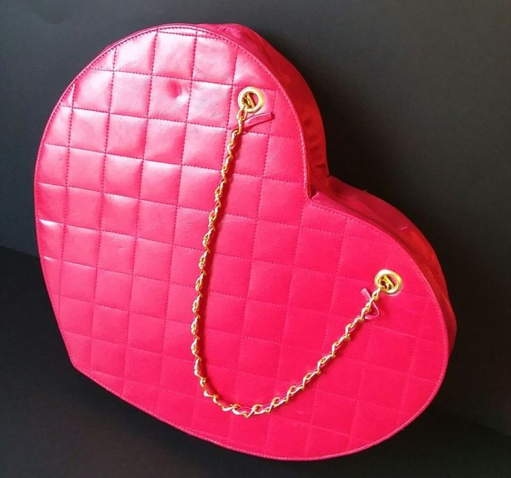"""Heart Shaped Purse Gold Chain Fredericks Of Hollywood Large! 16"""" Inch  #FredricksofHollywood #ShoulderBag"""