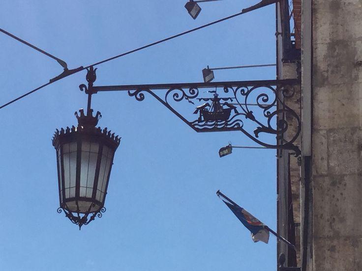 Kauniita yksityiskohtia Lissabonin kaduilla
