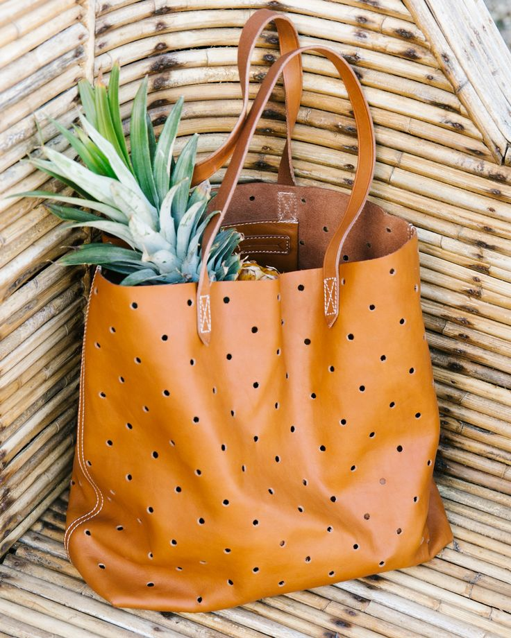 madewell holepunch transport tote.