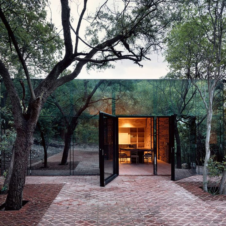 With walls of reflective glass, Los Terrenos (or The Terrains) is a residence in the forests just outside of Monterrey, Mexico that wholly embraces its surroundings by mirroring them right back. Designed by Mexico City-based architect Tatiana Bilbao...