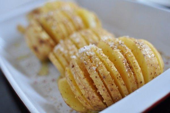 ... enfin presque ! Je réalisais souvent ces pommes de terre, quand je n'avais pas le temps ... elles sont magiques ... et puis je les ai oublié ... ! C'est Réjane et son magnifique Blog &In food for Love& qui me les a remise en tête il y a un petit moment...