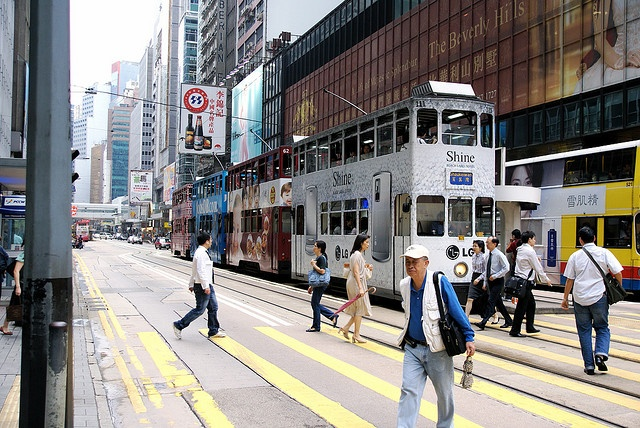 Tramway | 24 Hong Kong hours    This higly tramways are very nice adspace.