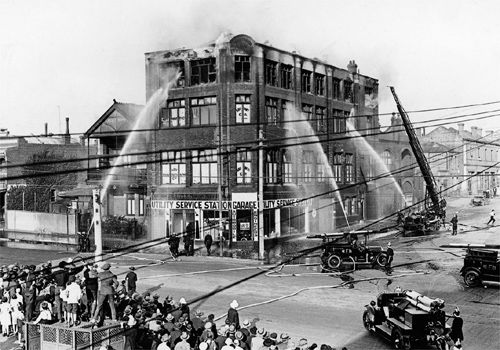 Fire at Friedmans Building, corner of Swanston and Queensberry Streets, Carlton