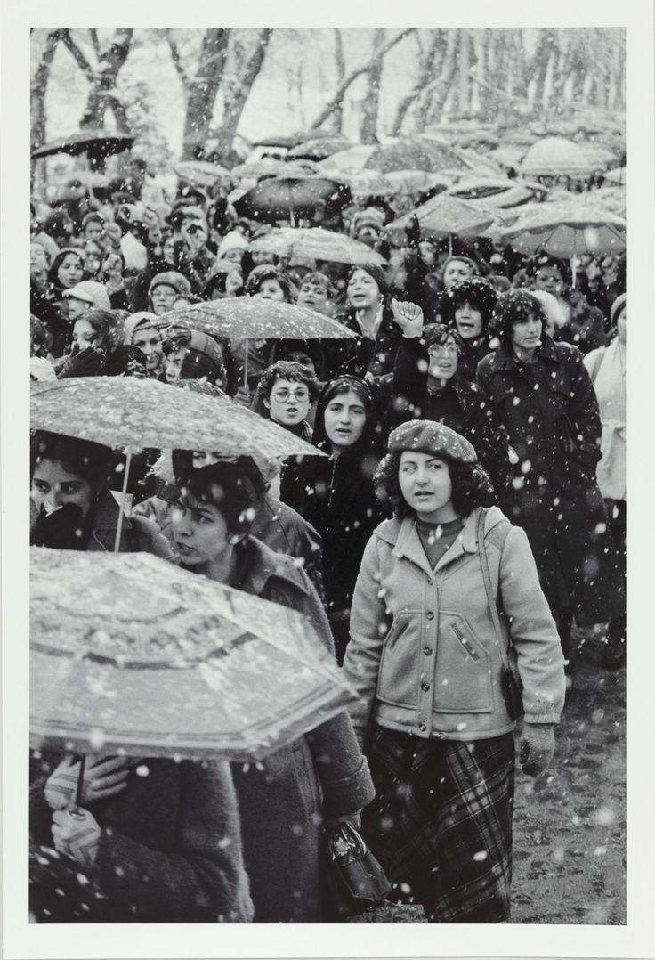 Mujeres de Teherán en manifestación contra el Decreto del Velo, marzo de 1979