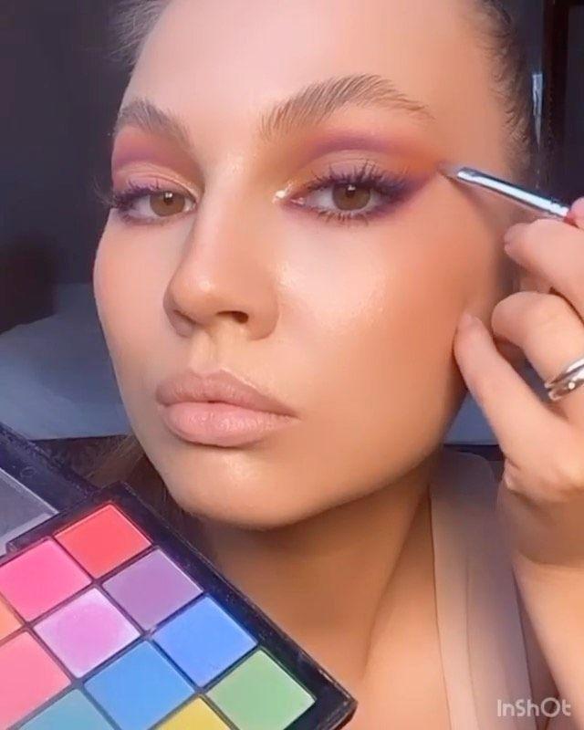 Glamazon Kuwait On Instagram 80s Vibes Via Yana Yasnaya Yanayasnaya Makeup Motd Beauty Makeuplooks Glamazo In 2020 Lipstick Challenge 80s Makeup Makeup