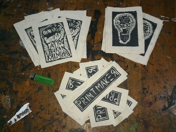 emblem, woodcut> screen printing > edition printmaking