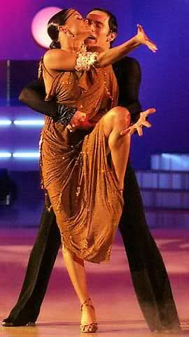 """""""Danza. Un'espressione verticale di un desiderio orizzontale."""" George Bernard Shaw"""