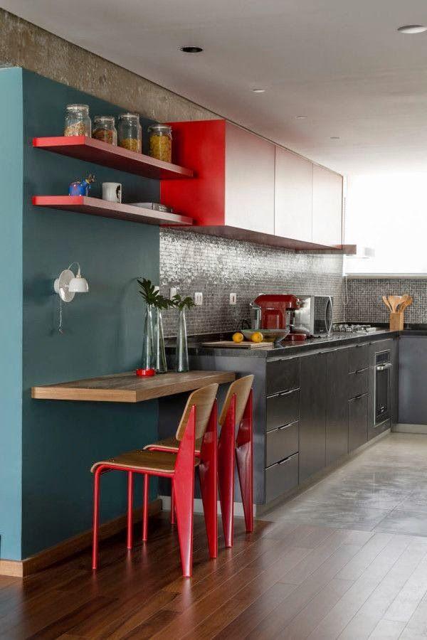 Inspiração: Copa e cozinha integradas com design industrial e cores fortes