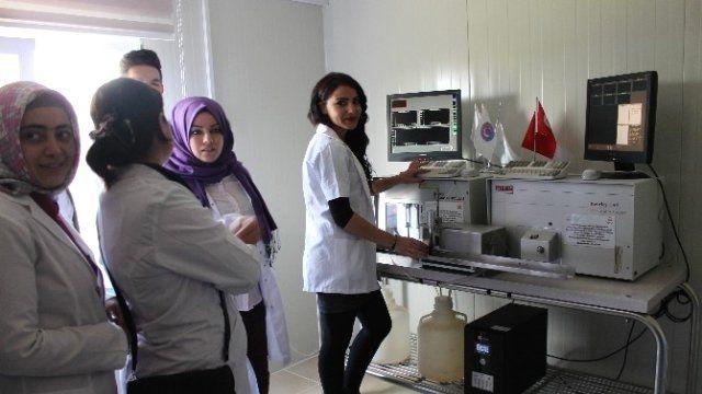 Biga Meslek Yüksekokulu Çiğ Süt Kimyasal ve Mikrobiyoloji Laboratuvarı açıldı
