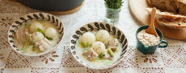 ローズマリーでつくる白いスープとマスタードソース